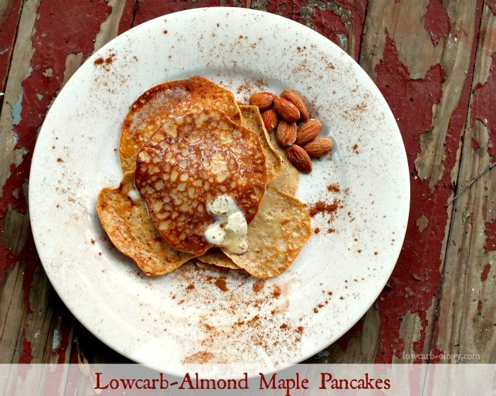 lowcarb almond maple pancakes | lowcarb-ology.com