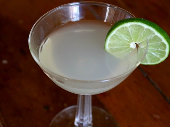 low carb daiquiri is a relaxing cocktail without the carbs lowcarb-ology.com