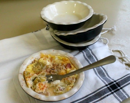 low-carb quiche with ham , smoked gouda and artichokes is easy and super fast - lowcarb-ology.com