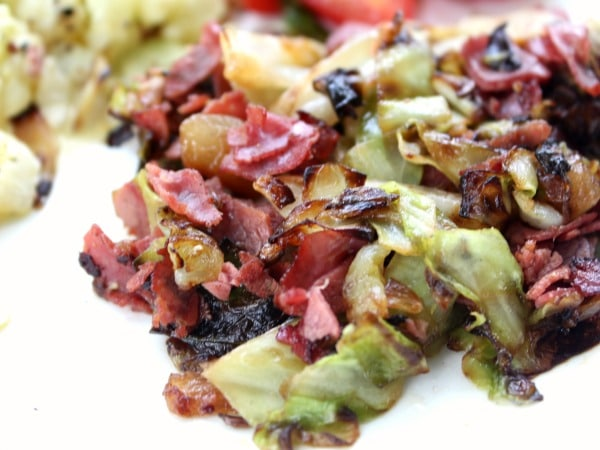 quick corned beef and cabbage that will have your tummy happy in 15 minutes - lowcarb-ology.com