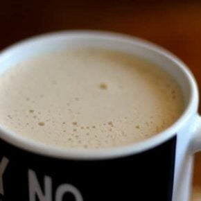 This flavored bulletproof coffee tastes like a creamy latte but gives you energy that lasts all morning long. from lowcarb-ology.com