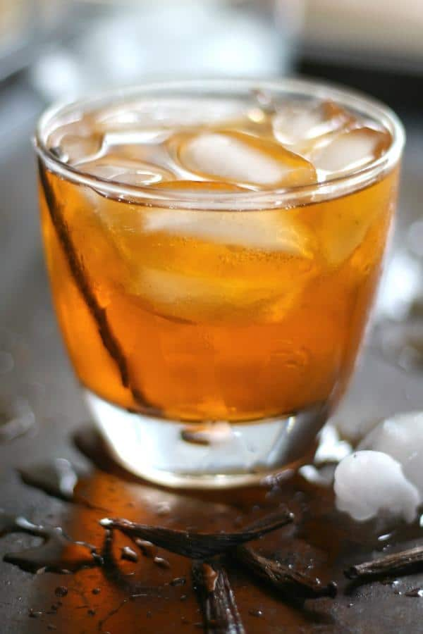 Vanilla old fashioned cocktail is low carb! So yummy! From Lowcarb-ology.com