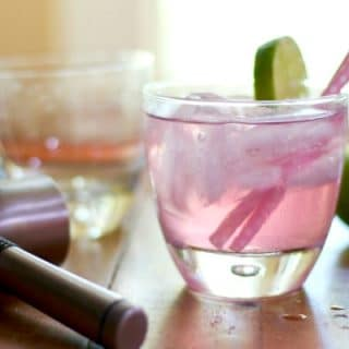 Low Carb Dirty Shirley has 0 carbs, a pretty pink color, and a sweet, bubbly flavor. Just right for summer sipping! From Lowcarb-ology.com