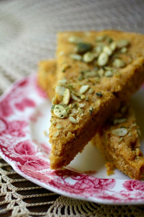Low carb pumpkin spice scones are a delicious breakfast treat. From Lowcarb-ology.com