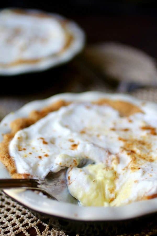Low carb sour cream lemon pie with a gingersnap crust. from lowcarb-ology.com
