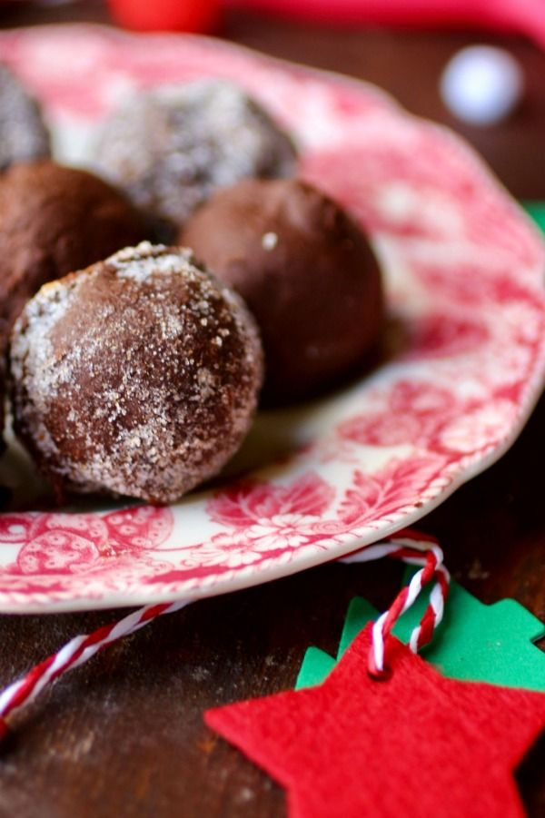 Low carb bourbon balls are great for low carb holiday snacking