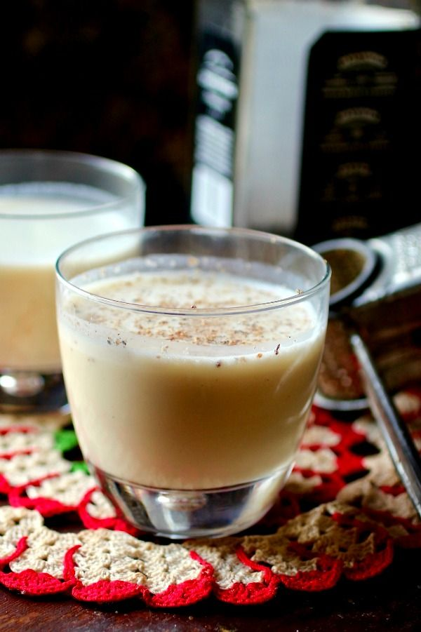 Homemade low carb egg nog is the perfect addition to your holiday parties! From lowcarb-ology.com