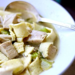 Quick and easy! This low carb chicken noodle soup recipe is going to be a favorite! YUM! from lowcarb-ology.com
