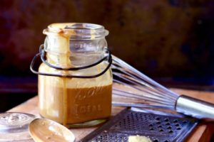 Thai Peanut Sauce Recipe: Homemade, Spicy, and Low Carb