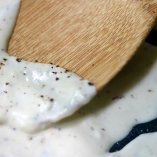 Creamy, southern style low carb cream gravy is some of the best comfort food around! You don't have to give it up on your keto diet !! From lowcarb-ology.com