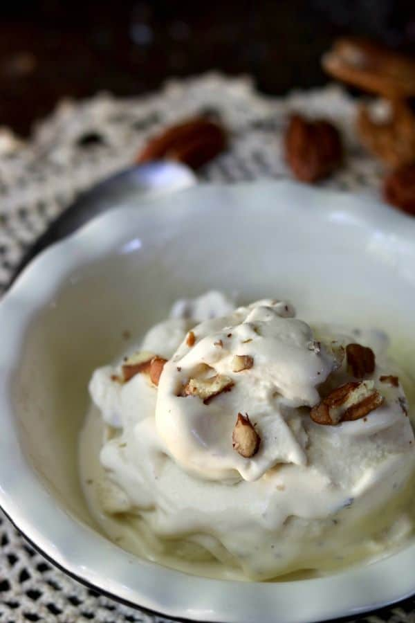 So good! This low carb ice cream is full of brown butter bourbon pecan flavor and it's a super easy recipe! From lowcarb-ology.com