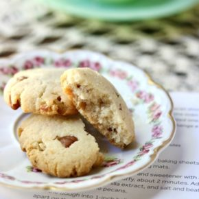 Low carb pecan shortbread cookies on a small plate