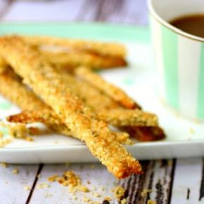 Featured image keto cheese straws on a plate