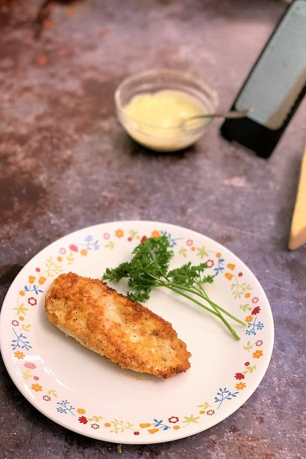 Crispy parmesan chicken without breadcrumbs.